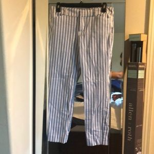Cropped striped blue and white trousers